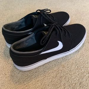 Nike men's Zoom Air, size 11